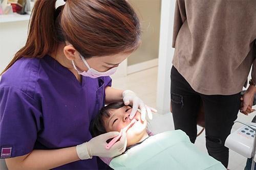 歯磨き、フロスの指導